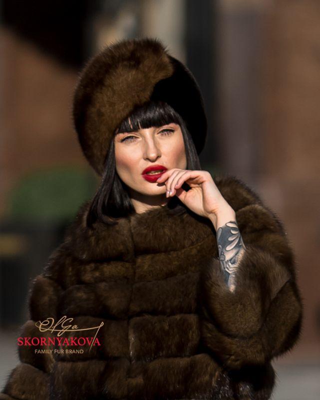 Женская шапка из темного соболя с норкой blackglama. Есть в кунице!